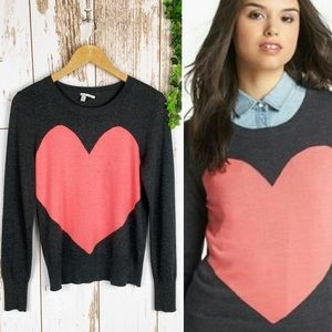 Halogen Pink Heart Crew Neck Sweater Gray EUC